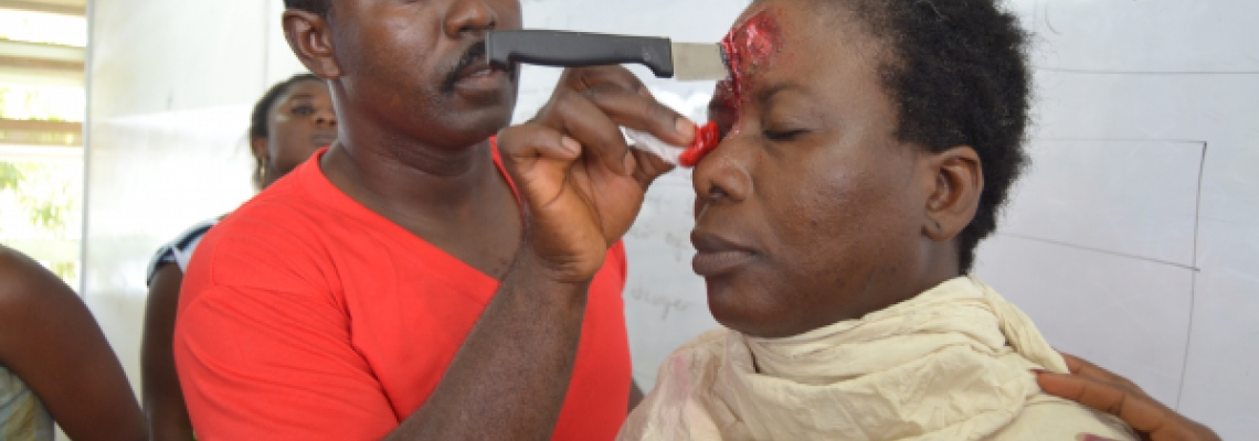 Stabbing make up